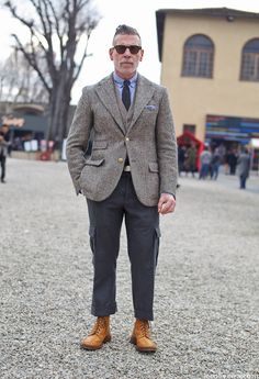 Nick Wooster at Pitti Uomo 81 Nick Wooster, Look Fashion, Mens Fashion, Fashion Tips, Street Fashion, Suit Combinations, Dapper Men, Blazer Fashion, Suit Fashion