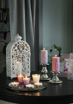 Set a relaxing mood for Mom. The warm light from the candle shines decoratively through the pattern on the GOTTGÖRA lantern from IKEA.