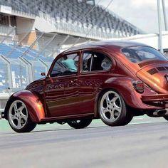 cars pictures - jestPic.com Vw Bus, Car Volkswagen, Vw Super Beetle, Beetle Car, Vw Rat Rod, Vw Group, Bug Car, Vw Scirocco, Vw Classic