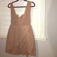 IN LOVE with this adorable dress -romantic Ruffles -sweetheart top -Ruffles on the left side -zipper in the back -size 8 -looks brand new H&M Dresses
