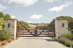 holman-ranch entrance gate (but without the tiles...maybe a different cap)