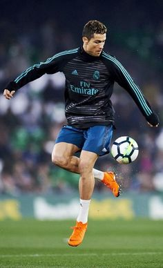 Cristiano Ronaldo Photos Photos - Real Betis v Real Madrid - La Liga - Zimbio Cristiano Ronaldo 7, Ronaldo Cr7, Cristiano Ronaldo Wallpapers, Ronaldo Football, Ronaldo Real Madrid, Juventus Fc, Zinedine Zidane, Club Football, College Football