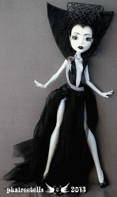 Monster High repaint custom Spectra Dark Lili by phairee004 on deviantART