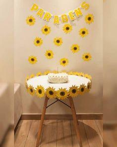 Happy Birthday Decor, 1st Birthday Girl Decorations, Dessert Table Birthday, Birthday Party Tables, 1st Birthday Girls, Sunflower Birthday Parties, Sunflower Party, Eco Friendly Ganpati Decoration, 50th Birthday Balloons
