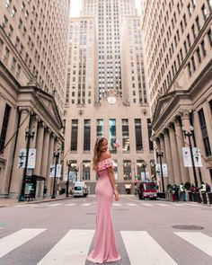 Looking for the best photo spots in Chicago that aren't touristy? This list of 10 hidden photo spots in Chicago has you covered. Blue Line Train, Photographer Needed, Brown Line, Chicago Photos, Chicago Travel, Chicago Photography, Chicago Skyline, Best Kept Secret