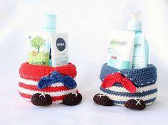 """DIY-Anleitung: Körbchen """"Seeräuber"""" häkeln / crochet pattern: utensilo for the bathroom, diy inspiration via DaWanda.com"""
