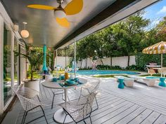 The Smith house on Pinocchio Street in Dallas - drop-dead gorgeous, no lie! - 36…
