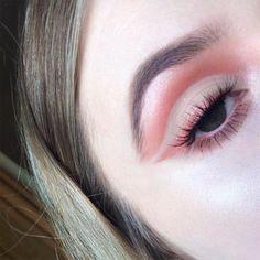 rose gold negative space eye makeup