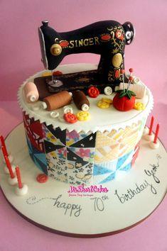 Singer sewing machine and patchwork cake Birthday Cake For Mom, Beautiful Birthday Cakes, Beautiful Cakes, Amazing Cakes, Fondant Cake Designs, Fondant Cakes, Cupcake Cakes, Sewing Machine Cake, Sewing Cake