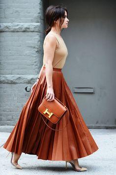 Maxi jupe, ceinture a la taille, stilleto, couleurs automnales
