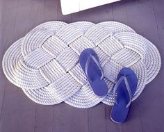 Easy DIY Rope Rugs Projects To Warm Up Your Home-homesthetics (10)