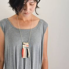 Woven Necklace - Long Tapestry Fiber Necklace with Brass - Handmade, Handwoven Weave - Custom - Colorful Coral Pink Peach Black Blue Purple Macrame Colar, Macrame Necklace, Macrame Jewelry, Leaf Necklace, Diy Necklace, Jewelry Necklaces, Long Necklaces, Fringe Necklace, Diamond Necklaces