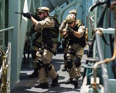 The naval boarding party of Her Majesty's Canadian Ship REGINA conducts tactical movement drill practice on the ship's upper deck off the coast of Africa on March 10, 2014 during Operation ARTEMIS. #OpARTEMIS #ReadyAyeReady #ExcellenceAtSea #CAF #StrongSecureEngaged