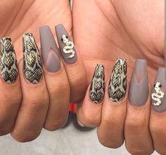 Snake design nails