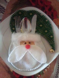 Creative Santa Craft Ideas - I Creative Ideas Santa Crafts, Decor Crafts, Christmas Crafts, Christmas Decorations, Christmas Ornaments, Holiday Decor, Felt Patterns, Deco Table, Felt Ornaments