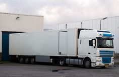 We have the advanced refrigerated storage system in Brisbane assisting you to keep perishables fresh and nutritional. With state-of-the-art facilities and temperature monitoring, we give you the peace of mind of your goods to be fine. Long Distance Movers, Warehouse Solutions, Buy Truck, Semi Trailer, Moving Tips, Business Organization, Things To Know, Brisbane, Storage Solutions