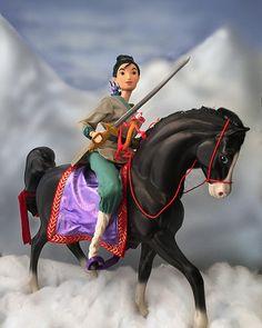 Honor on your Cow Mulan Doll, Disney Barbie Dolls, Disney Princess Dolls, Disney Princesses, Princesa Mulan, Barbie Horse, Anime Crafts, Disney Designs, Disney Images