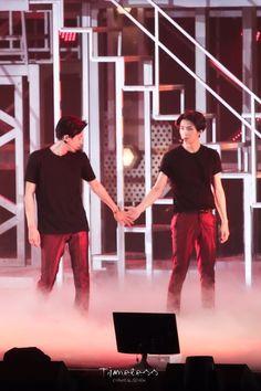We Heart It 経由の画像 #exo #sehun #chanyeol #chanhun