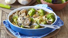 Nutritious and delicious, this Cheesy Salmon and Broccoli Bake is the perfect recipe for a fun-filled girls' night in. Baked Seafood Recipe, Seafood Bake, Seafood Recipes, Salmon And Broccoli, Broccoli Bake, My Cookbook, Perfect Food, Girls Night, Cabbage