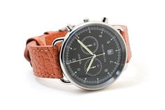 Vintage Military Style, Swiss Movement The Field Officer The Field Officer references to the past with a range of details, such as its brownish vintage luminescent pigment. The field watch is one of t