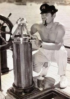 Clark Gable....wow what a great pic of the firstman I ever fell in love with mind you I was only 5.........