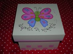 Regalos artesanales - Muñecos country - Pintura decorativa ... Painted Wooden Boxes, Kids Canvas, Decoupage Box, Tea Box, Butterfly Art, Gift Store, Keepsake Boxes, Cool Diy, Folk Art