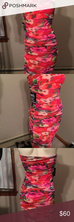NWT Express Floral Strapless Dress NWT Strapless dress Express Dresses Strapless