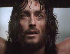 """LE LACRIME DI GESÙ    In tutta la sua vita terrena, c'è stato un solo momento in cui Gesù, atrocemente provato da torture e cattiveria, ha sperimentato l'incubo terrificante dell'abbandono, dicendo """"Eloì, Eloì, lemà sabactàni"""", ossia """"Dio mio,Dio mio, perché mi hai abbandonato?"""". Ha vissuto così, fino all'ultimo respiro, la condizione umana che …"""