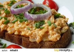Hermelínová pomazánka na topinky recept (cibule,pikantní hořčice,máslo,pivo či smetana,chilli,česnek,pažitka) Party Snacks, Baked Potato, Risotto, Macaroni And Cheese, Dinner Recipes, Food And Drink, Appetizers, Pizza, Treats