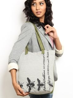 Women Green & White Printed Tote Bag. Starting at $5 on Tophatter.com!