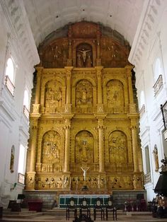 The Sé Cathedral of Santa Catarina, known as Se Cathedral, is the cathedral of the Latin Rite Roman Catholic Archdiocese of Goa and Daman and the seat of the Patriarch of the East Indies. Located in Old Goa, India, the largest church in India[citation needed] is dedicated to Catherine of Alexandria. It is one of the oldest and most celebrated religious buildings in Goa and is one of the largest churches in Asia