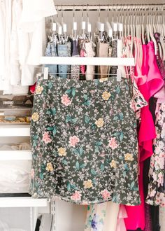 A Mix of Min provides tips on optimizing closet space with The Container Store and their customer Elfa closets. Elfa Closet, Wardrobe Closet, Closet Space, Shipping Container Design, Cargo Container Homes, Container Cabin, Container Store Closet, How To Organize Your Closet, Huge Closet