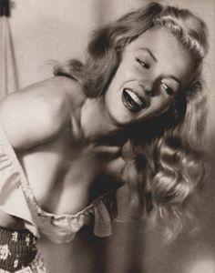 vintage everyday: Marilyn Monroe Photographed by Earl Moran, Late 1940's
