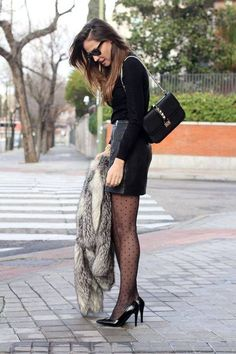 leather skirt and coat looks - Lady Addict Skirt Outfits, Cool Outfits, Outfit Elegantes, Mode Pop, Polka Dot Tights, Polka Dots, Pantyhose Outfits, Leather Mini Skirts, Socks
