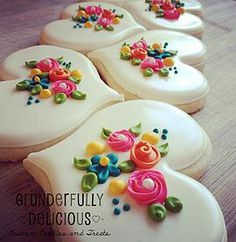 The best cookie decorating supplies, video tutorials, classes, and recipes. A site for beginner's and experienced decorators to find everything about cookies. Fancy Cookies, Iced Cookies, Cute Cookies, Yummy Cookies, Cookies Et Biscuits, Cupcake Cookies, Heart Cookies, Shabby Chic Cookies, Frosted Cookies