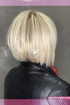 in 2020 Medium Short Hair, Short Straight Hair, Short Hair Styles Easy, Short Hair With Layers, Short Hair Cuts For Women, Layered Hair, Thin Hair, Layered Bob Haircuts, Stacked Bob Hairstyles
