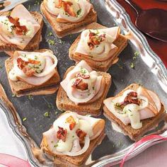 We've rounded up traditional Kentucky Derby fare and a few variations that break from tradition as well! From small bites to hearty stews (and of course a cocktail) these recipes make a great spread for your Kentucky Derby gathering or for any occasion. Finger Snacks, Finger Foods, Kentucky Derby Food, Derby Recipe, Kentucky Hot Brown, Tapas, Brown Recipe, Appetizer Recipes, Appetizers