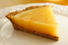 Lemon Pie w/ Oatmeal Cookie crust(vegan!)  I Must try this just for the fat free oatmeal cookie crust!