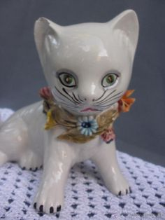 Figura de gato en porcelana italiana