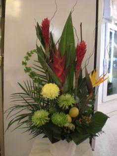 http://www.unny.com exotic flowers arrangement
