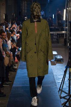 Sfilata Raf Simons Parigi Moda Uomo Primavera Estate 2016 - Vogue