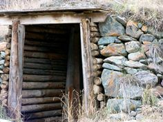 How to build a root cellar. Several different plans provided...