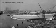 Ter water lating van de ss rotterdam 1957