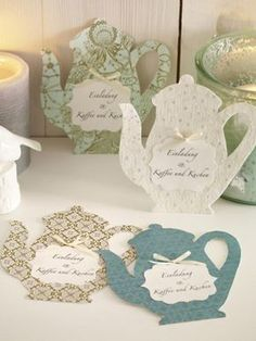 At the mere sight of the sweet invitation cards you look forward to a nice breakfast. Tea Box, Mothers Day Crafts, Stamping Up, Craft Gifts, Invitation Cards, Cardmaking, Diy And Crafts, Birthday Gifts, Projects To Try