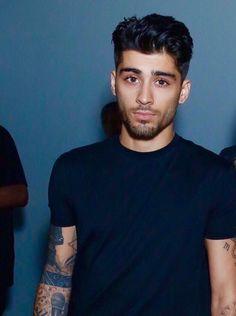 Zayn Malik Source by Niall Horan, Zayn Mailk, Nicole Scherzinger, Liam Payne, Bad Boys, Cute Boys, Zayn One Direction, Harry Styles, Zayn Malik Pics