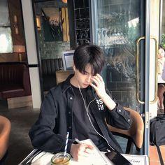 44 ideas fashion asian girly ulzzang for 2019 Korean Girl Ulzzang, Couple Ulzzang, Ulzzang Korea, Cute Asian Guys, Asian Boys, Cute Guys, Asian Girl, Korean Boys Hot, Korean Couple