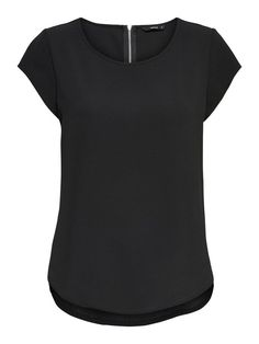 Løs kortermet topp | ONLY V Neck, Womens Fashion, Shirts, Black, Autumn, Spring, Winter, Summer, Model