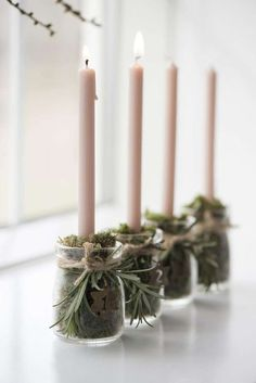 Let it Glow: 5 Pretty Candle Displays You Can Make In An Instant! (my scandinavian home) - Let it Glow: 5 Pretty Candle Displays You Can Make In An Instant! (my scandinavian home) Let it Glow: 5 Pretty Candle Displays You Can Make In An Instant! Noel Christmas, Christmas 2019, Christmas Wreaths, Christmas Crafts, Christmas Decorations, White Christmas, Advent Wreaths, Christmas Candles, Green Advent Wreath