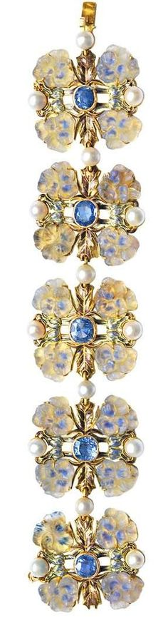 René Lalique (1860-1945), Art Nouveau Bracelet. Gold, sapphires, moulded glass, enamel and pearls. Paris, circa 1900. Véroniq