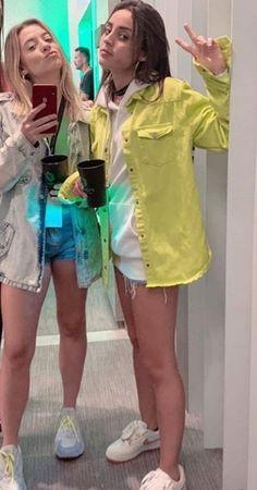 Loud Babi e Voltan Battle Royale, Snapchat Ideas, Best Friendship, Friends Girls, Motorcycle Girls, Rare Photos, Celebrity Photos, Princesses